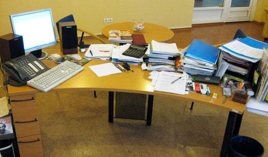 Как выглядят рабочие столы главного ресторатора Ижевска и топ-менеджера сети АЗС