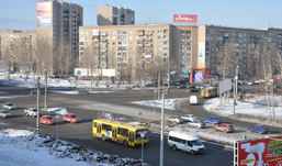 На перекрестке у ТЦ «Кит» в Ижевске повесили знаки «движение по полосам»