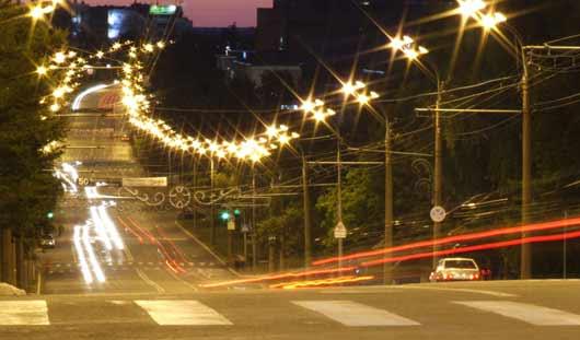 Какие улицы Ижевска получат новые яркие светильники в 2013 году