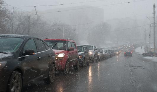 В Ижевске из-за снегопада увеличилось количество аварий