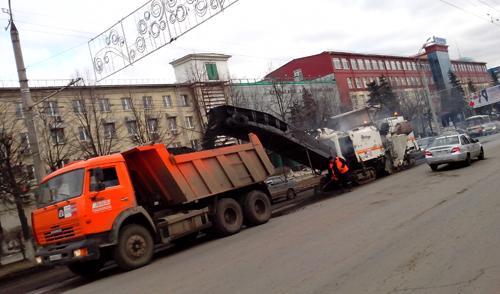 Фотофакт: на улице Пушкинской в Ижевске демонтируют бордюры