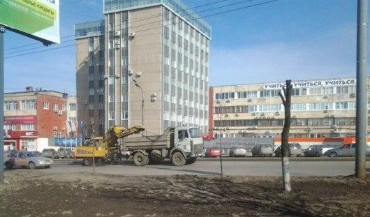 Подметание улиц и расправа над бездомной собакой: о чем сегодня утром говорят в Ижевске