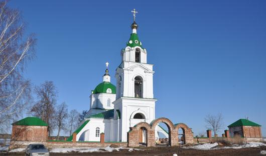 Биатлонист Иван Черезов подарил колокола храму в Нечкино