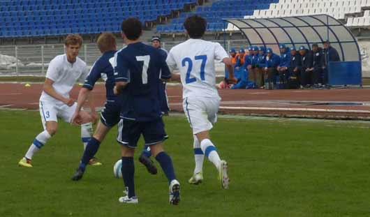 Матч между ижевским «Зенитом» и футболистами из Сызрани закончился ничьей