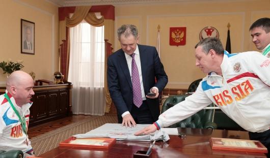 Премии в 500 тысяч рублей получили следж-хоккеисты Удмуртии за спортивные достижения