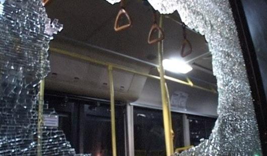 В Ижевске неизвестные «обстреляли» автобус