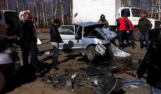 В Ижевске на Воткинском шоссе столкнулись два автомобиля