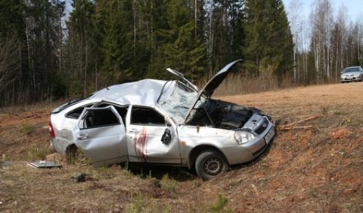 В Удмуртии в перевернувшемся автомобиле погибли 3 человека