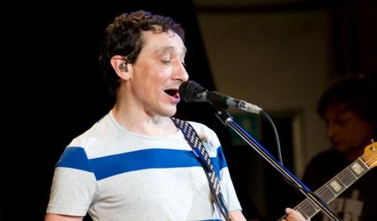 Солист группы «Браво» признался ижевчанам, что одалживал Земфире гитары