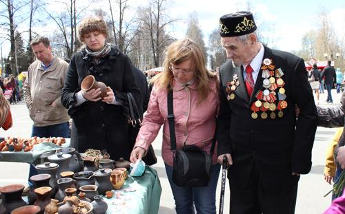 Ижевчане раскупали экологически чистую посуду и украшения в «Городе мастеров»