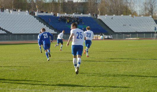 Ижевские футболисты выиграли у челябинской команды со счётом 2:1