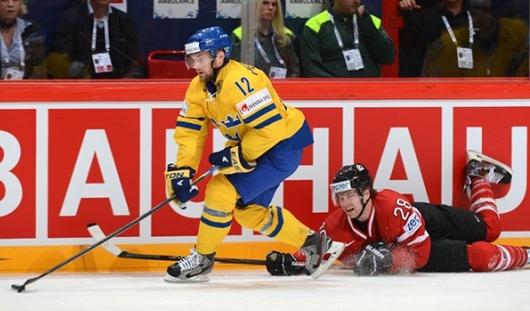 Шведские хоккеисты обыграли сборную Канады по буллитам