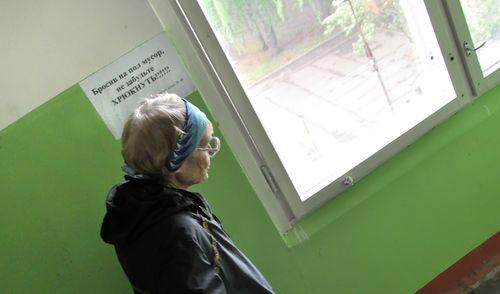 Фотофакт: ижевчане придумали, как отучить соседей мусорить