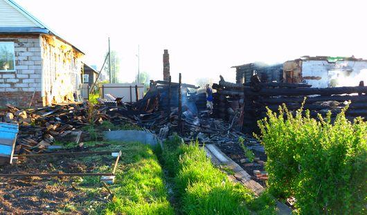 Шесть домов сгорело в Удмуртии из-за детской шалости