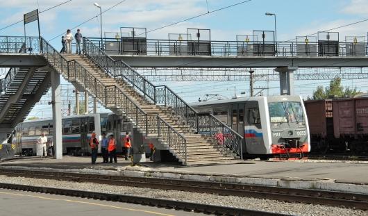 Платформу железнодорожного вокзала в Ижевске выложат тактильной плиткой