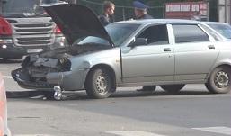 Под колеса легковушки в Ижевске попали 3 детей