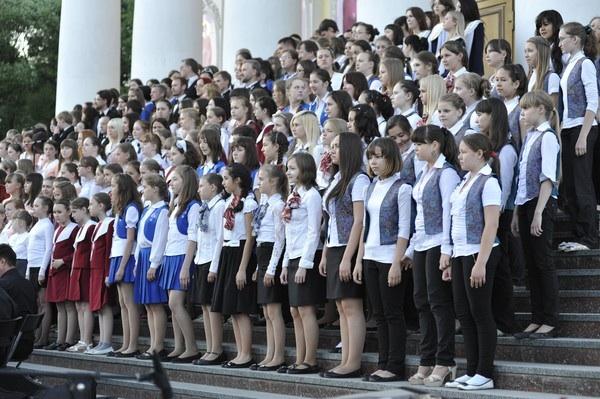 Почти 300 певцов сошлись в большом хоровом соборе в Ижевске