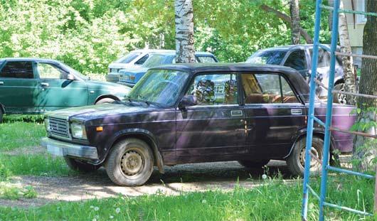 Штрафстоянка: ижевчан будут штрафовать за парковку на газонах и детских площадках?