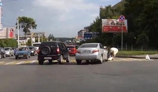 Водитель «тойоты» сбил женщину на пешеходном переходе в Ижевске