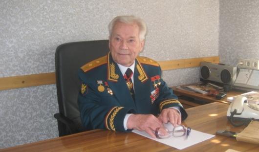 Ижевскому оружейнику Михаилу Калашникову провели процедуру, растворяющую тромбы