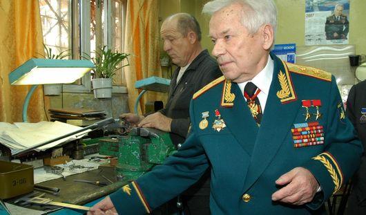 Ижевскому конструктору Калашникову установят кардиостимулятор