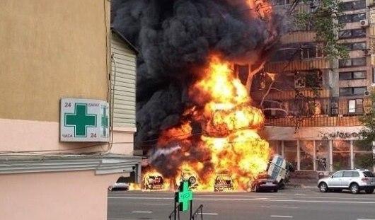 В Казахстане взорвался бензовоз