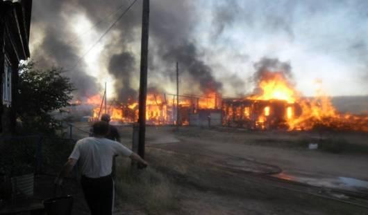 В Удмуртии крупный пожар уничтожил 5 частных хозяйств