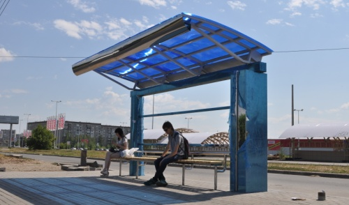 Фотофакт: в Ижевске установили новую автобусную остановку