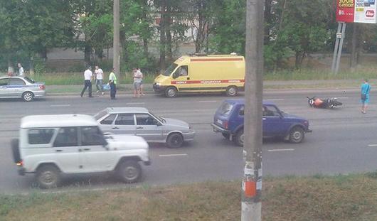 В Ижевске столкнулись мотоцикл и «нива»