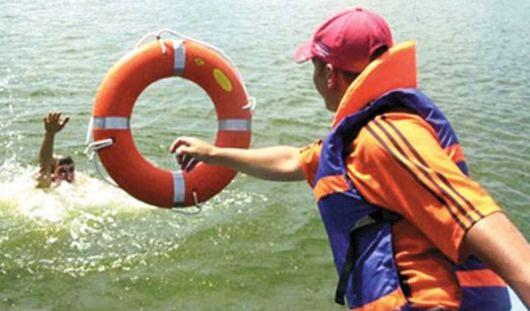 Спасатель-доброволец спас утопающего на Ижевском пруду