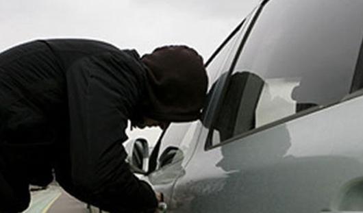 В Удмуртии угонщики пытались поставить на учет автомобили с «перебитыми» номерами