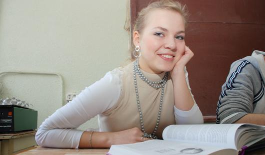 Студентам вернут скидку на авиарейсы из Ижевска в Санкт-Петербург