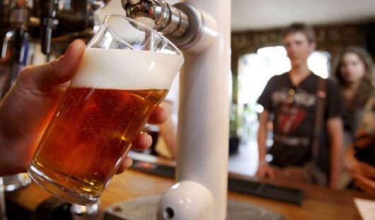 В барах и ресторанах Удмуртии запретят продавать алкоголь даже ночью?