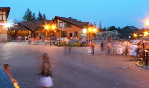 Фотофакт: в Ижевске прошла «ночь в зоопарке»