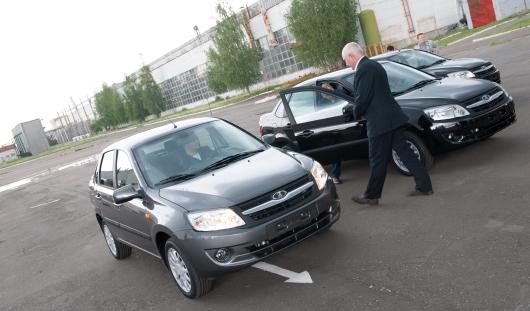 Купить машину в кредит в России стало дешевле