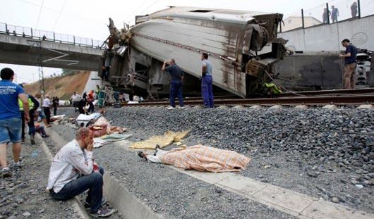 При крушении поезда в Испании 77 человек погибли и более 140 ранены