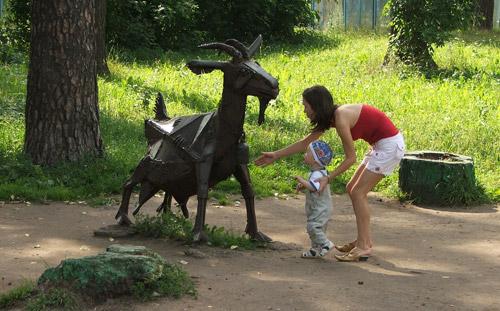 Появятся ли в Козьем парке Ижевска аттракционы?