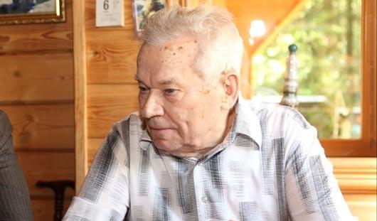 Ижевский конструктор Михаил Калашников выписан из госпиталя
