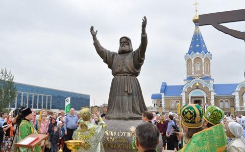 Освящение нового храма и арест в стиле маски-шоу: чем запомнилась ижевчанами уходящая неделя