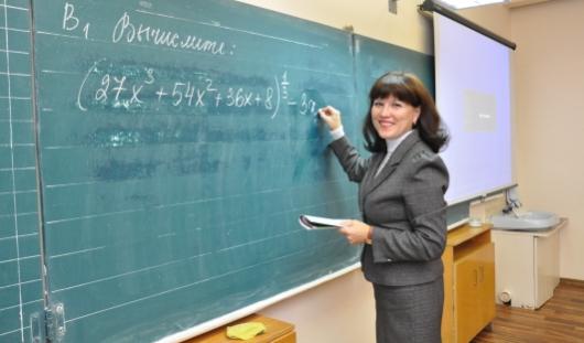Учителям запретят ходить в мини-юбках