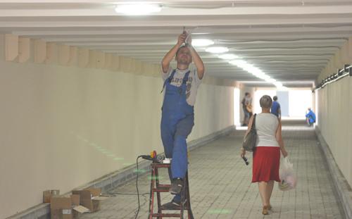 В новом переходе у «Реала» в Ижевске вандалы разбили все лампы