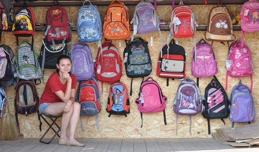 Фотофакт: в Ижевске открылся школьный базар