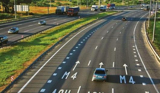 Максимальная скорость движения по дорогам в России повышена до 130 км/ч