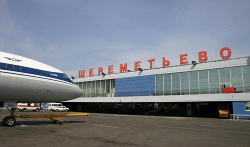 Тысячи пассажиров улетели из Москвы без багажа