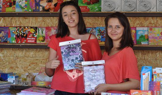 Айфон на резинке и съедобные канцтовары: какие новинки предлагают ижевским школьникам к учебному году