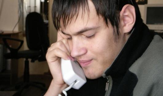 Ижевчанин незаконно подключился к телефону соседки и наболтал на 4000 рублей