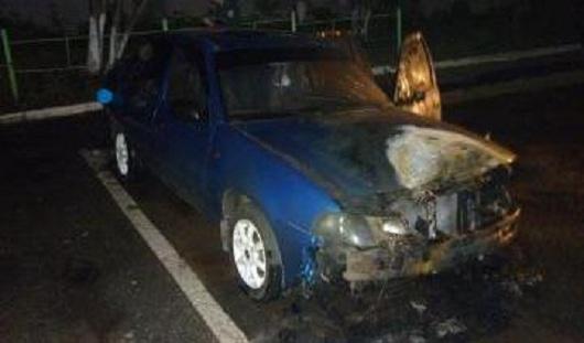 Ночью в Ижевске подожгли автомобиль