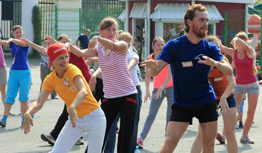 В парке Кирова в Ижевске проводят зарядку «Бодрое утро»