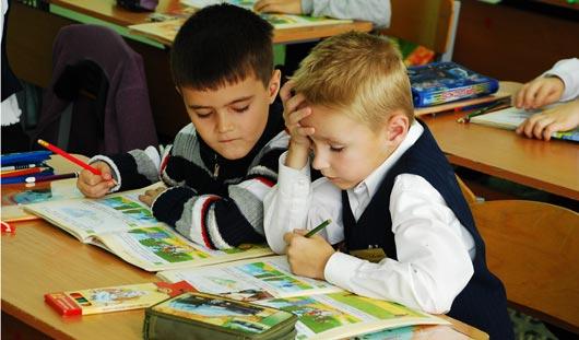 Советы ижевчан: как усадить ребенка за уроки