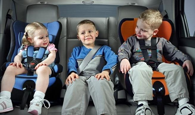 Штраф для российских водителей за неиспользование детских кресел увеличится в 6 раз